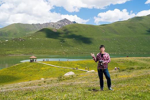 与70岁香港摄影师一起,在青海省自驾摄影七日游(一)-年宝玉则,西宁,茶卡盐湖,阿坝,青海湖