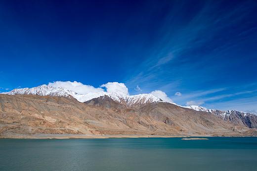 新疆绿弓湖