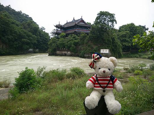 熊小白和青小驿的初次远行,旅途继续中-九寨沟,黄龙,杜甫草堂,峨眉山