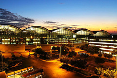 怎么去香港机场最快最省?深圳至香港机场路线全攻略!