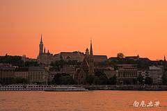 多瑙河流到这里最美,也最让人百感交集