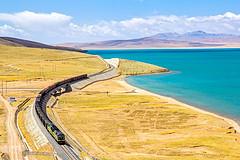每逢8月,国内这条路便成了世界级风景线