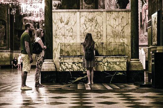中古世纪的骑士风,隐藏在山间的UFO | 不辞职的环球之旅之保加利亚篇(上篇)-亚历山大·涅夫斯基教堂,圣索菲亚教堂-索菲亚,圣尼古拉二世俄罗斯教堂,拉格大厦,索菲亚公共矿物浴场