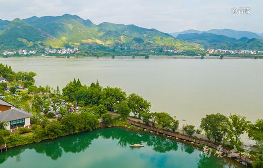 到江南小三峡,十大传世名画《富春山居图》里,去避暑-富春江,建德