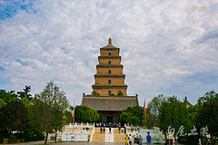 这座城市的地标性建筑,差点成了中国的比萨斜塔