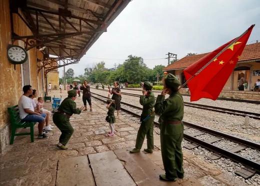 滇黔铁路碧色寨火车站游记