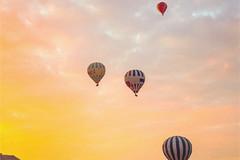 乘坐热气球是一种什么样的旅行体验?有哪些旅行地的热气球项目值得玩了一次还想再玩?