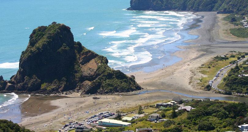 Piha海滩