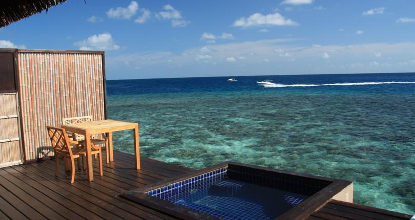 瓦度岛度假村
