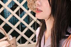 喜欢拍照美食的女孩在厦门的美丽角落留下自己的身影
