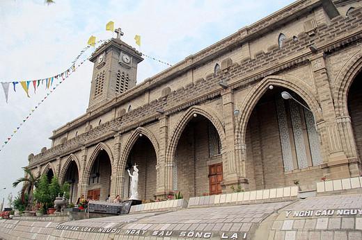 芽庄 大叻 情侣 四日悠闲美食游 附详细费用-芽庄大教堂,越南