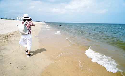 爱上东海湾的美,尽享那片无人打扰的海