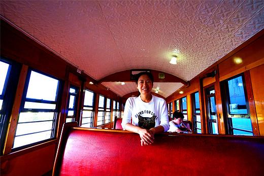 坐上小火车,开启库兰达热带雨林浪漫之旅-库兰达热带雨林自然公园,昆士兰州,凯恩斯,澳大利亚