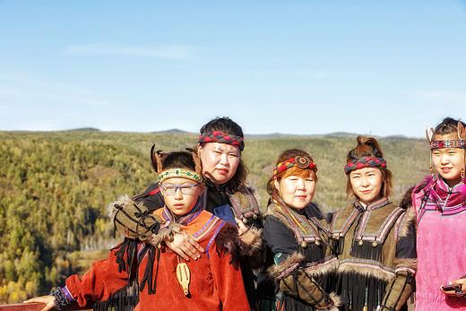 家里有矿,他带着七个美女躲进了鹿鼎山-大兴安岭,黑龙江