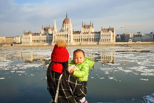 世界那么大,带你去看看:牵手11个月元宝的捷匈奥亲子行-布拉格城堡,圣维特大教堂,泰恩教堂